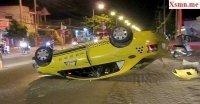 Ninh Thuận: Taxi bất ngờ lật ngửa sau cú đâm liên tiếp