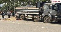 TP. HCM: 2 thanh niên bất ngờ lao vào xe chở đá và tử vong tại chỗ